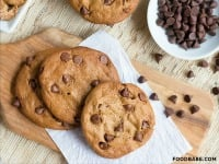 Flourless Chocolate Chip Cookies {Gluten-Free and Amazing!}