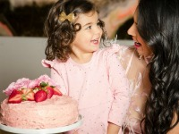 How to avoid artificial dyes at birthday parties and celebrations (recipes, products, and tips I use!)